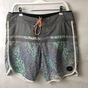 Quiksilver Sz 32 Grey Board Shorts - Cool